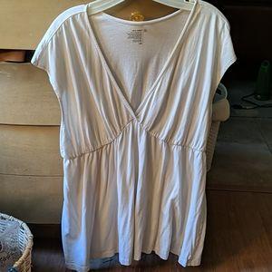Old Navy white flowy sleeveless v-neck top XL